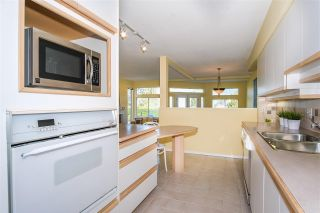 Photo 12: 6357 CHATHAM Street in West Vancouver: Horseshoe Bay WV 1/2 Duplex for sale : MLS®# R2357117