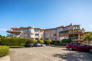 Photo 1: 3101 2829 Arbutus Rd in Saanich: SE Ten Mile Point Condo for sale (Saanich East)  : MLS®# 833257