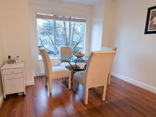 """Photo 5: 22 795 NOONS CREEK Drive in Port Moody: North Shore Pt Moody Townhouse for sale in """"HERITAGE TERRACE"""" : MLS®# V981692"""