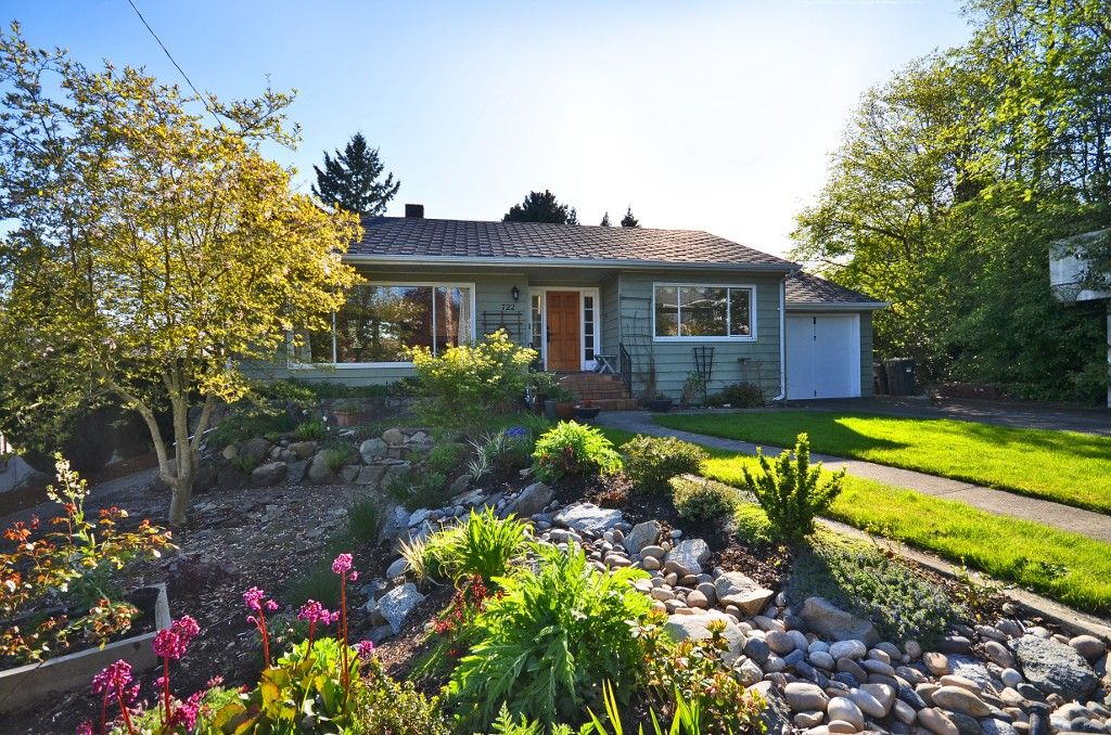 Main Photo: 722 19TH Street in New Westminster: West End NW House for sale : MLS®# V1003056