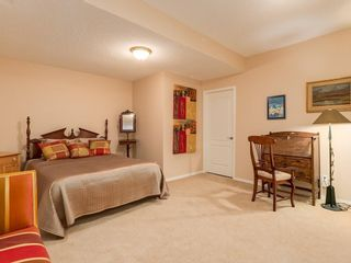 Photo 26: 27 SHANNON ESTATES Terrace SW in Calgary: Shawnessy Semi Detached for sale : MLS®# C4205904