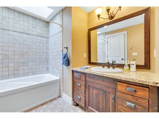 "Photo 12: 14591 GORDON Avenue: White Rock House for sale in ""West side Hillside"" (South Surrey White Rock)  : MLS®# R2543220"