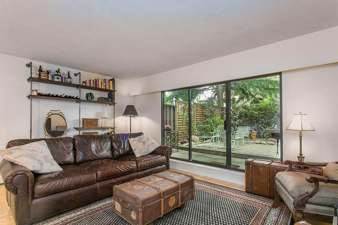 "Main Photo: 102 1424 WALNUT Street in Vancouver: Kitsilano Condo for sale in ""Walnut Place"" (Vancouver West)  : MLS®# R2079626"