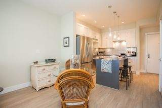 """Photo 12: 415 14855 THRIFT Avenue: White Rock Condo for sale in """"The Royce"""" (South Surrey White Rock)  : MLS®# R2538329"""