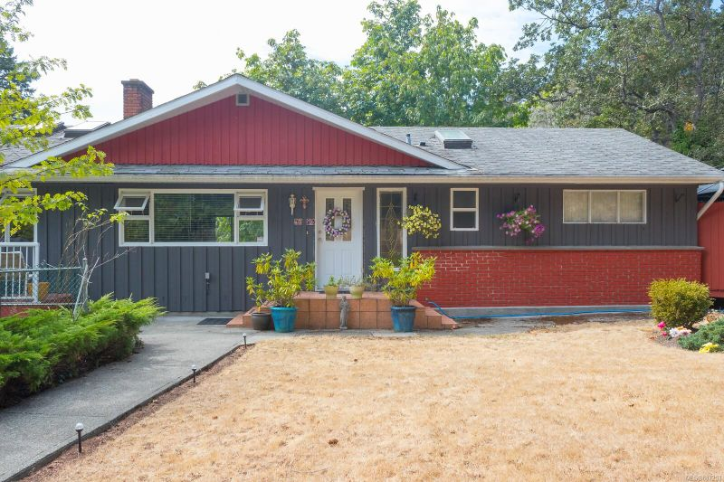 FEATURED LISTING: 5080 West Saanich Rd