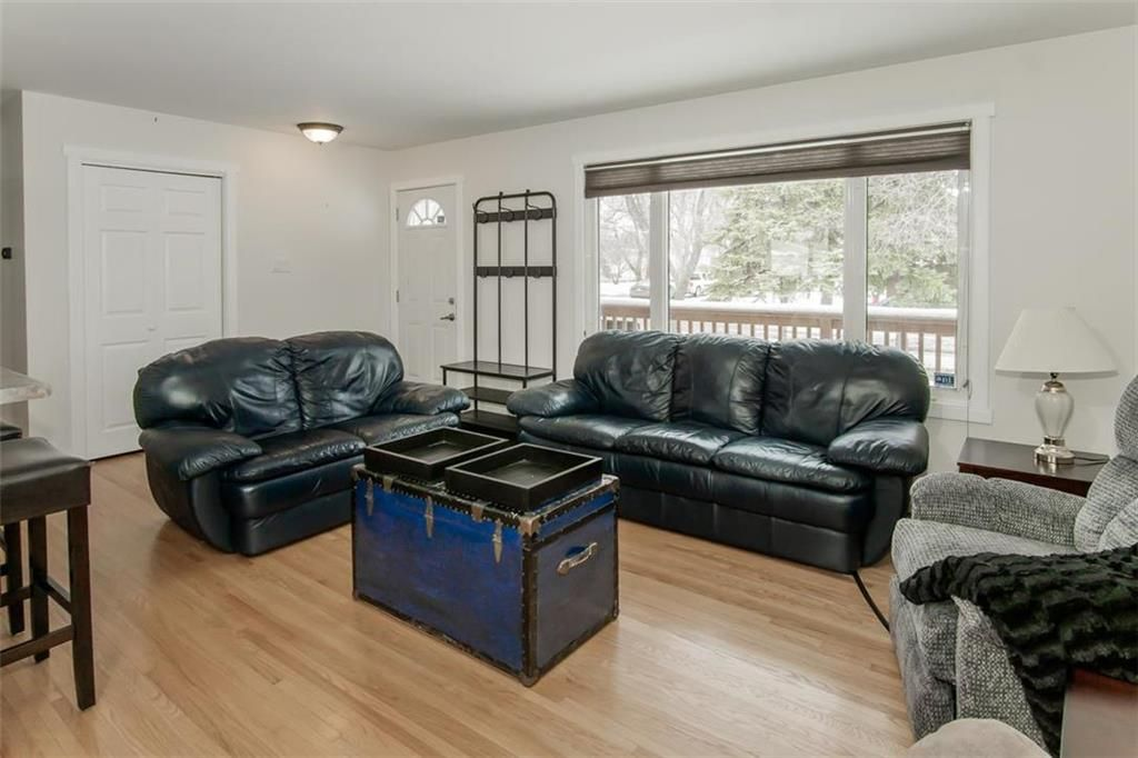 Photo 4: Photos: 93 Pike Crescent in Winnipeg: East Elmwood Residential for sale (3B)  : MLS®# 202108663