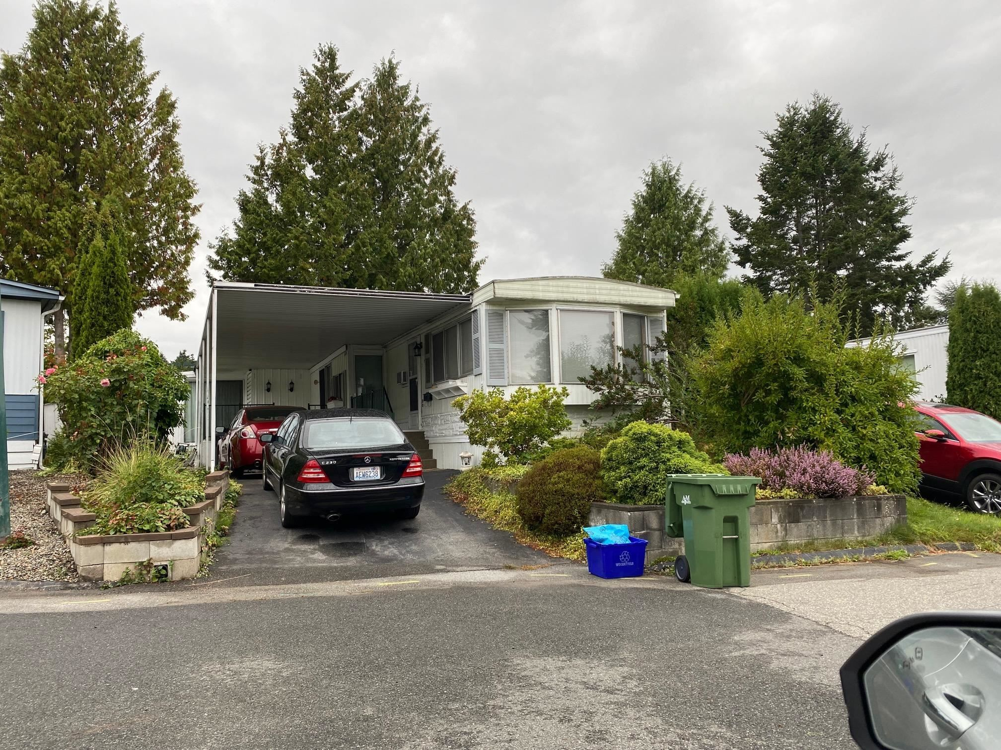 Main Photo: 235 1840 160 Street in Surrey: King George Corridor Manufactured Home for sale (South Surrey White Rock)  : MLS®# R2612669