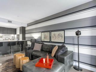 """Photo 1: 1001 288 W 1ST Avenue in Vancouver: False Creek Condo for sale in """"The James Building"""" (Vancouver West)  : MLS®# R2331453"""