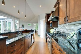 Photo 7: 1331 129A STREET in Surrey: Crescent Bch Ocean Pk. Home for sale ()  : MLS®# R2007596