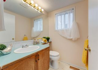 Photo 12: 26 River Rock Way SE in Calgary: Riverbend Detached for sale : MLS®# A1147690
