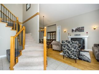 Photo 2: 16657 63B AVENUE in Surrey: Cloverdale BC House for sale (Cloverdale)  : MLS®# R2243701