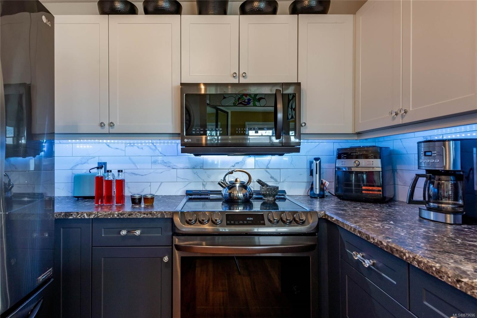 Photo 8: Photos: 219 390 S Island Hwy in : CR Campbell River West Condo for sale (Campbell River)  : MLS®# 879696