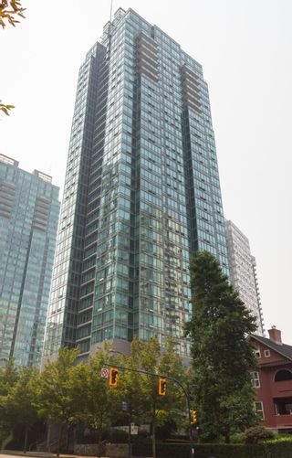 """Photo 23: 1902 1288 W GEORGIA Street in Vancouver: West End VW Condo for sale in """"RESIDENCES ON GEORGIA"""" (Vancouver West)  : MLS®# R2625011"""
