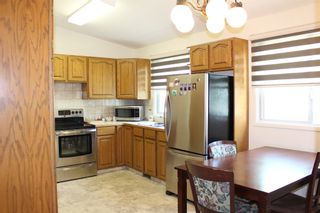 Photo 6: 728 McDougall Street in Pincher Creek: House for sale