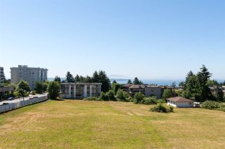 "Photo 19: 302 1551 FOSTER Street: White Rock Condo for sale in ""Sussex House"" (South Surrey White Rock)  : MLS®# R2187639"