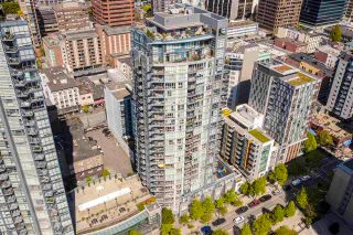 "Photo 1: PH2703 1155 SEYMOUR Street in Vancouver: Downtown VW Condo for sale in ""The Brava"" (Vancouver West)  : MLS®# R2571488"