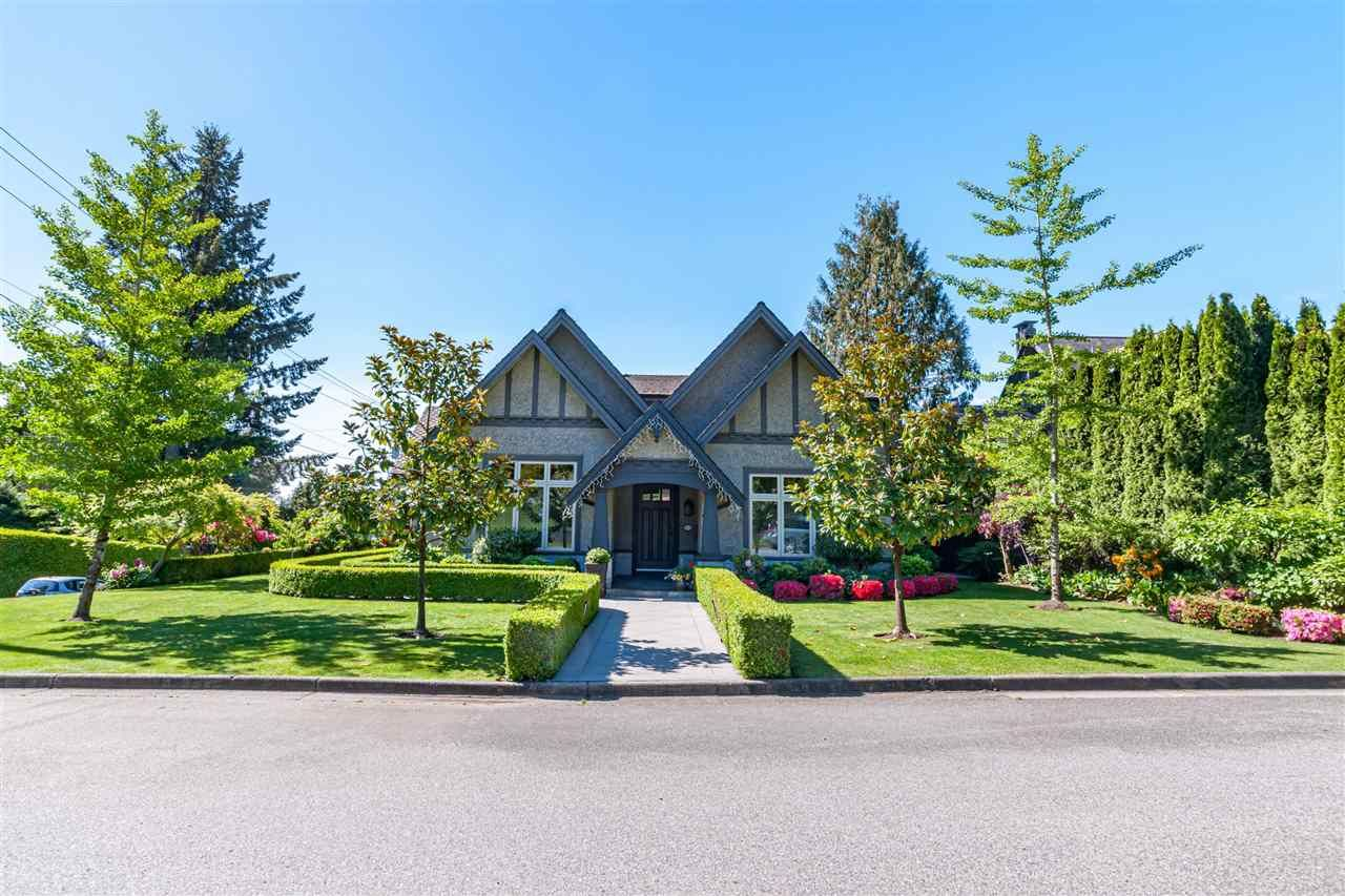 Main Photo: 1005 MELBOURNE Avenue in North Vancouver: Edgemont House for sale : MLS®# R2461335