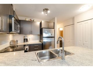 """Photo 6: 304 8915 202ND Street in Langley: Walnut Grove Condo for sale in """"Hawthorne"""" : MLS®# R2420017"""
