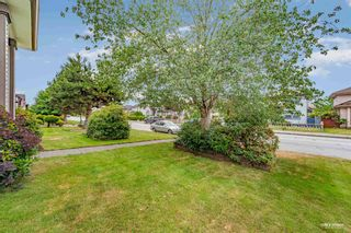 Photo 3: 857 RIVERSIDE DRIVE in Port Coquitlam: Riverwood House for sale : MLS®# R2599122