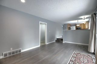Photo 11: 32 Varcrest Place NW in Calgary: Varsity Detached for sale : MLS®# A1060707