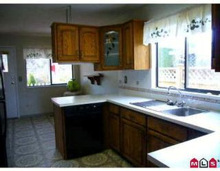 Photo 2: 15464 19TH AV in White Rock: House for sale (King George Corridor)  : MLS®# F2704894