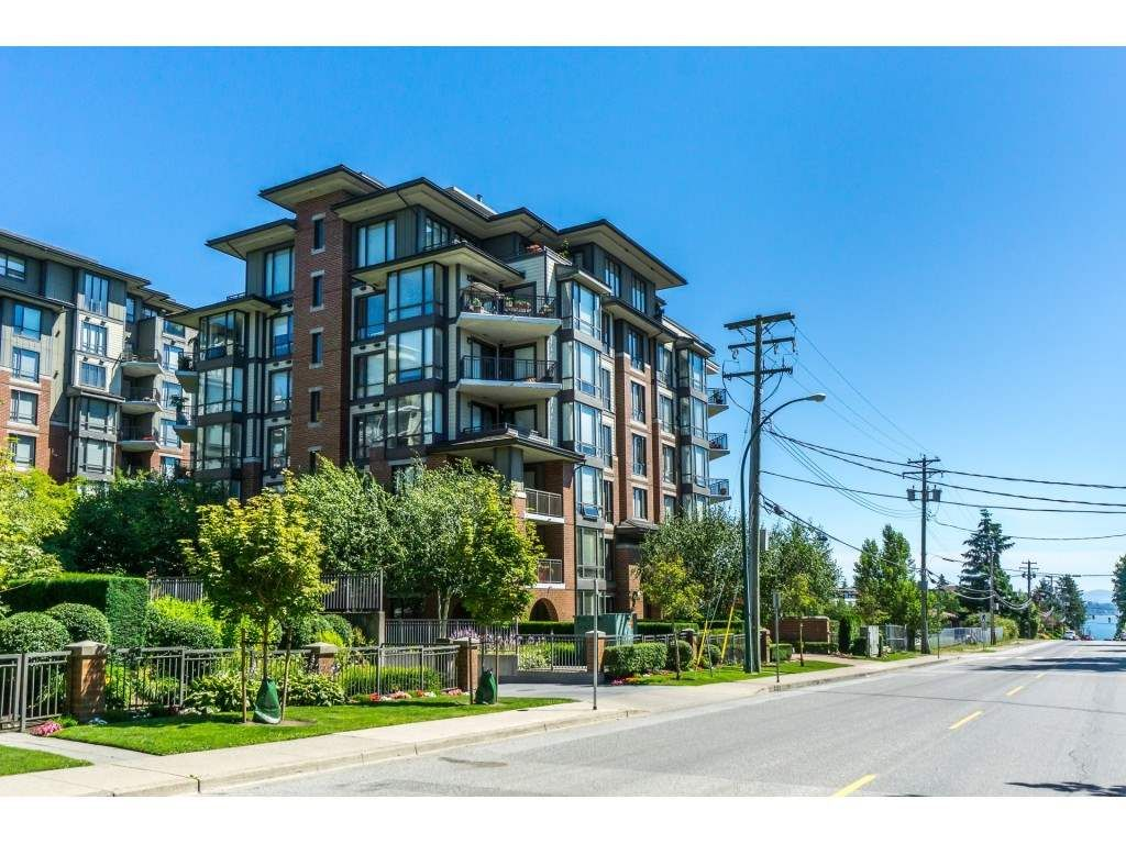 """Main Photo: 203 1550 MARTIN Street: White Rock Condo for sale in """"SUSSEX HOUSE"""" (South Surrey White Rock)  : MLS®# R2396838"""