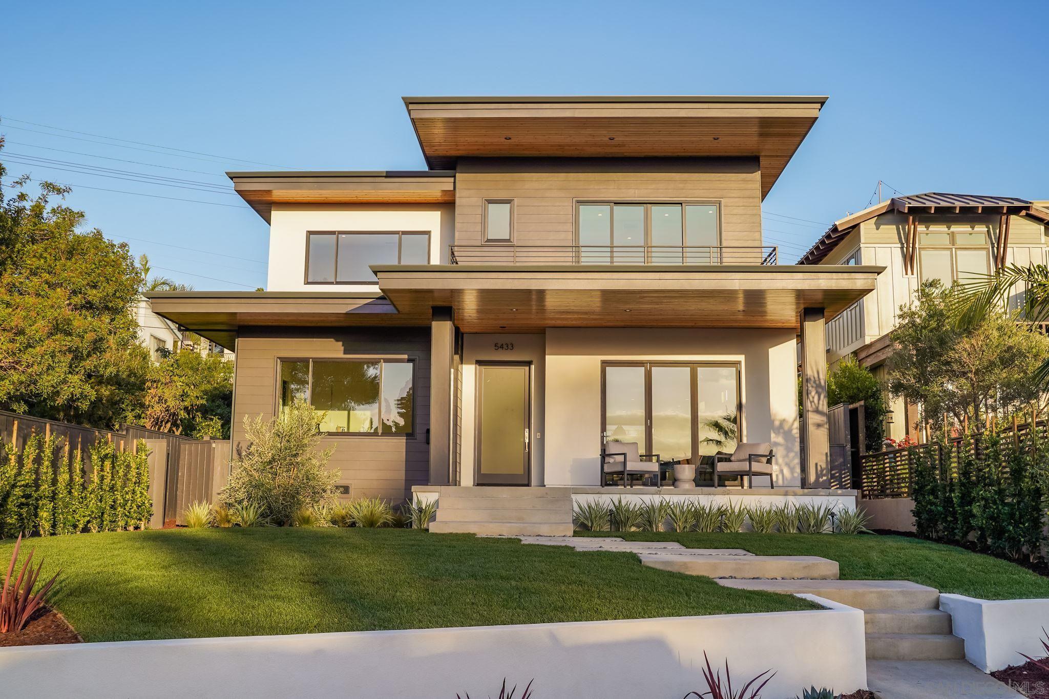 Main Photo: LA JOLLA House for sale : 4 bedrooms : 5433 Taft Ave