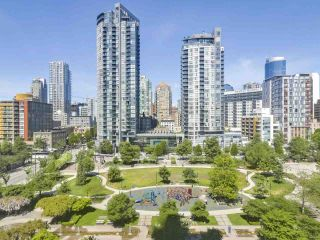 Photo 1: 802 1188 Richards St in Vancouver: Yaletown Condo for sale (Vancouver West)  : MLS®# R2370463