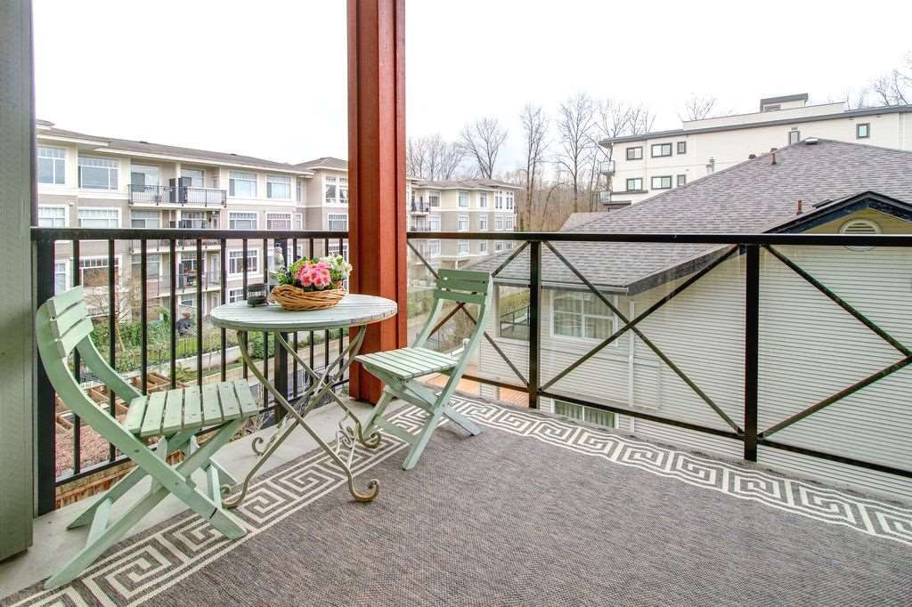 "Photo 12: Photos: 305 2336 WHYTE Avenue in Port Coquitlam: Central Pt Coquitlam Condo for sale in ""CENTREPOINTE"" : MLS®# R2252900"