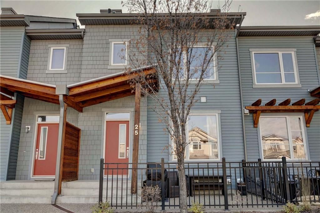 Main Photo: 25 CHAPALINA Square SE in Calgary: Chaparral Row/Townhouse for sale : MLS®# C4273593