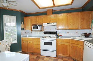 Photo 6: 2 11580 BURNETT STREET in Maple Ridge: East Central Townhouse for sale : MLS®# R2400950