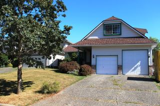 Photo 1: 8708 149 STREET in Surrey: Home for sale : MLS®# R2204720