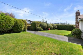 """Photo 10: 14418 BLACKBURN Crescent: White Rock House for sale in """"West Side White Rock"""" (South Surrey White Rock)  : MLS®# R2576581"""
