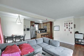 Photo 5: 4328 70 Street NW in Calgary: Bowness Detached for sale : MLS®# A1093003