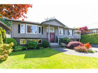 Photo 2: 5458 5B AV in Tsawwassen: Pebble Hill House for sale : MLS®# V1121880