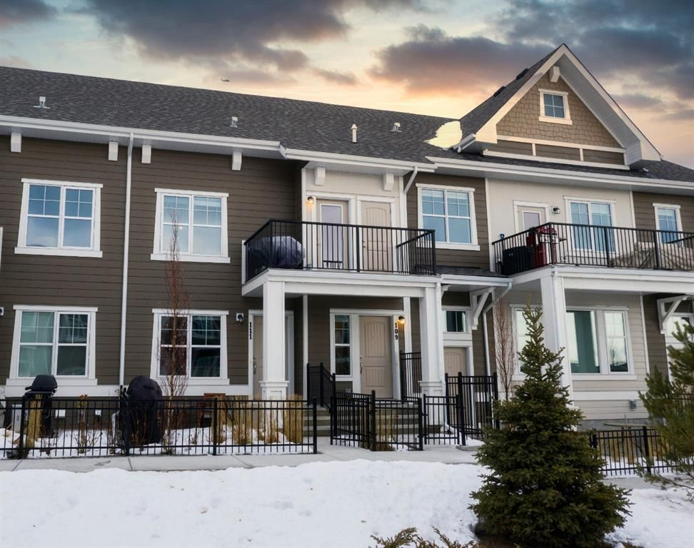Main Photo: 109 Cranbrook Walk SE in Calgary: Cranston Row/Townhouse for sale : MLS®# A1062566