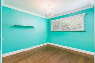 Photo 15: 8023 10 Street SW in Calgary: Chinook Park Detached for sale : MLS®# A1009361