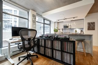 """Photo 6: 305 128 W CORDOVA Street in Vancouver: Downtown VW Condo for sale in """"WODWARDS"""" (Vancouver West)  : MLS®# R2624659"""