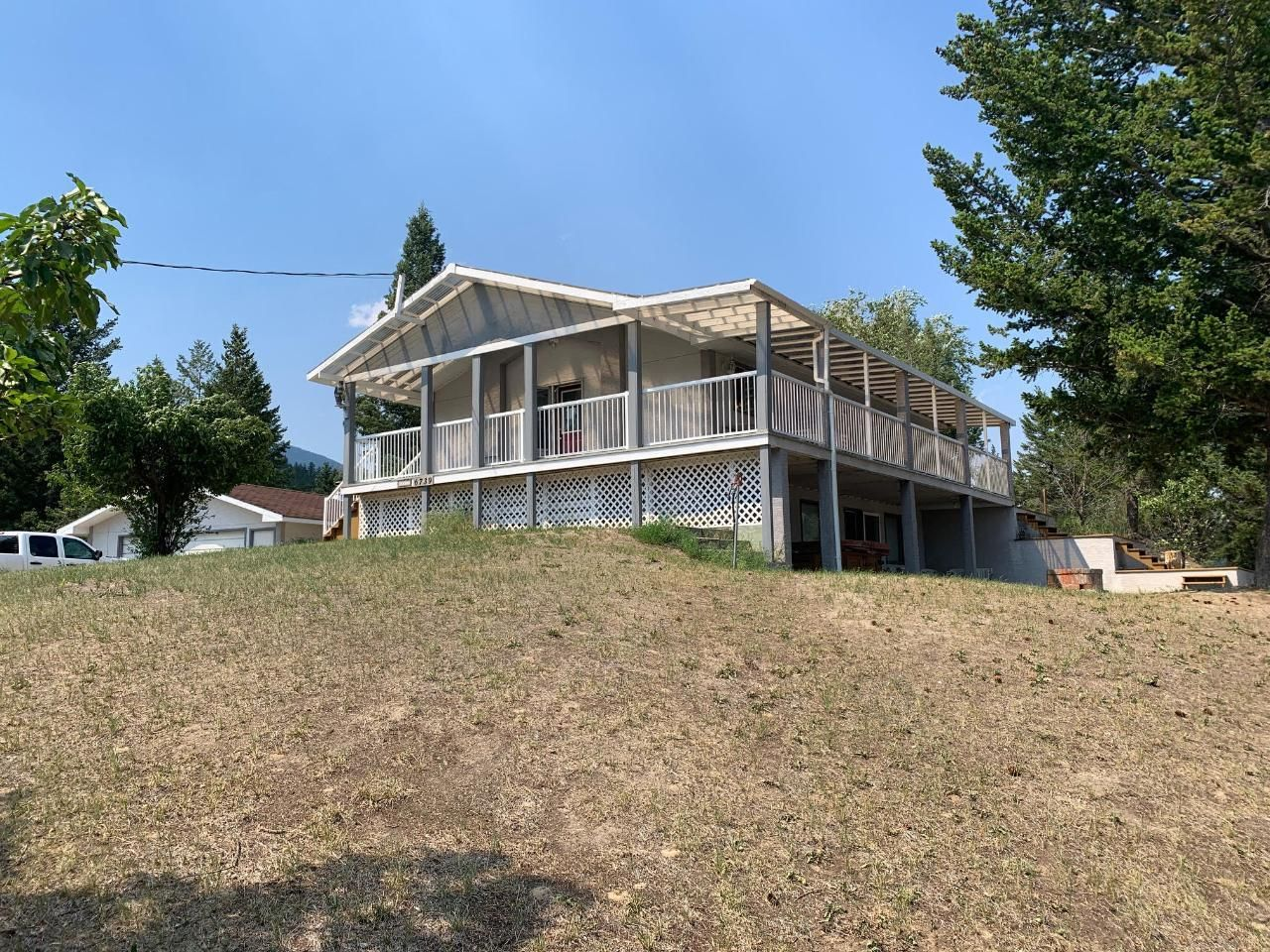 Main Photo: 6739 COLUMBIA ESTATES ROAD in Fairmont Hot Springs: House for sale : MLS®# 2460186