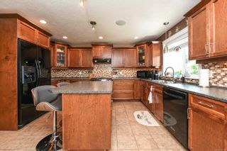 Photo 7: 633 Expeditor Pl in : CV Comox (Town of) House for sale (Comox Valley)  : MLS®# 876189
