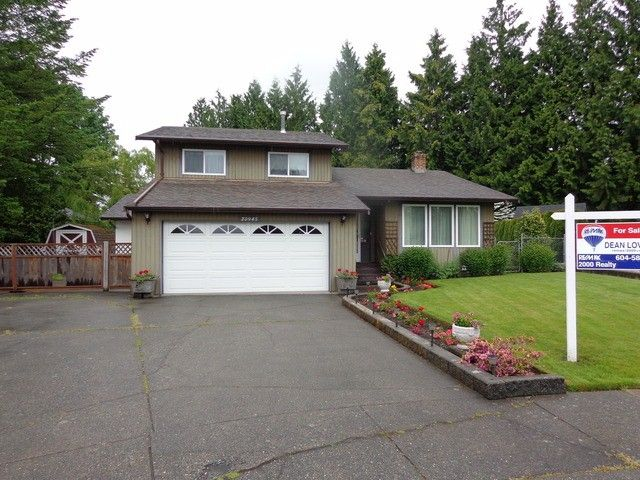 "Photo 1: Photos: 20945 50A AV in Langley: Langley City House for sale in ""NEWLANDS"" : MLS®# F1312585"