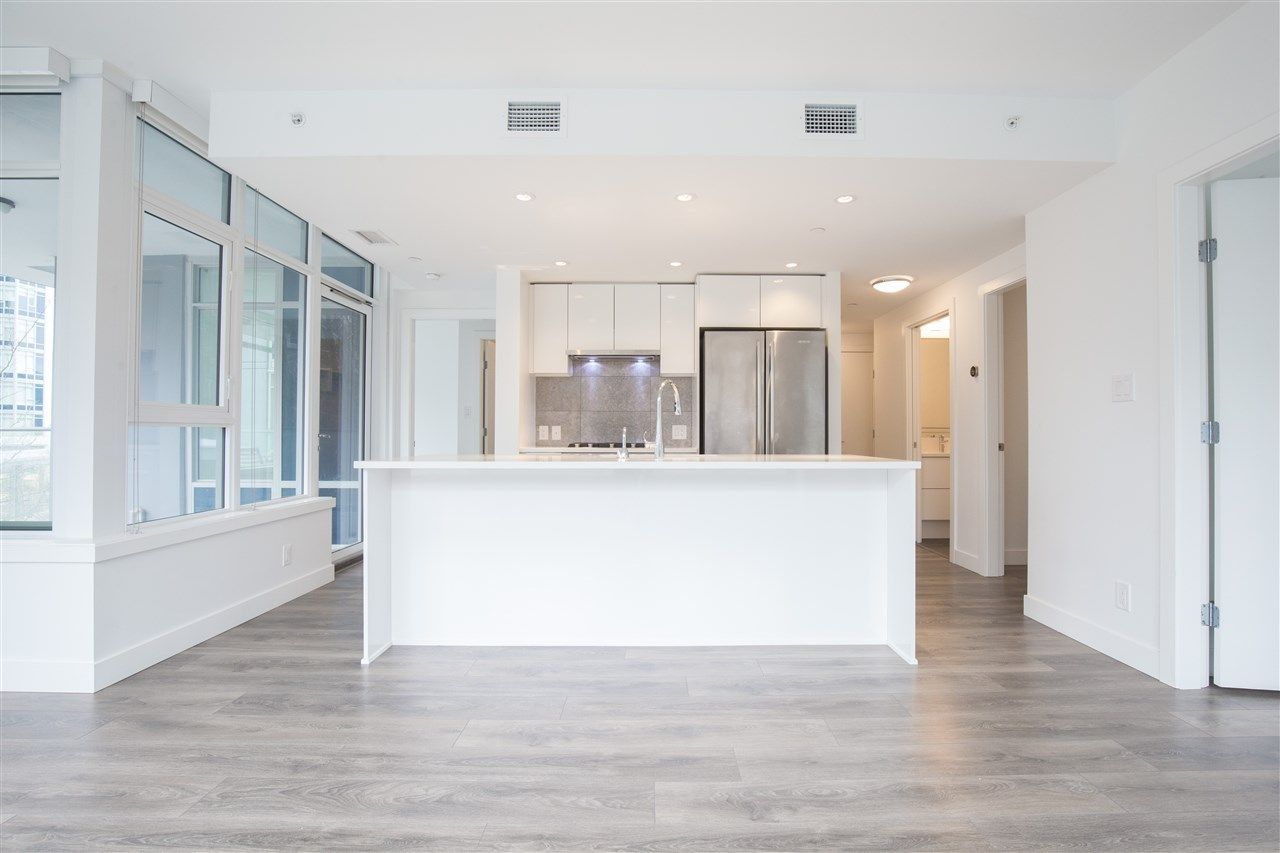 """Photo 5: Photos: 302 8538 RIVER DISTRICT Crossing in Vancouver: South Marine Condo for sale in """"ONE TOWN CENTRE"""" (Vancouver East)  : MLS®# R2430166"""