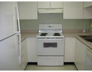 """Photo 5: 304 525 AGNES Street in New_Westminster: Downtown NW Condo for sale in """"AGNES TERRACE"""" (New Westminster)  : MLS®# V784575"""
