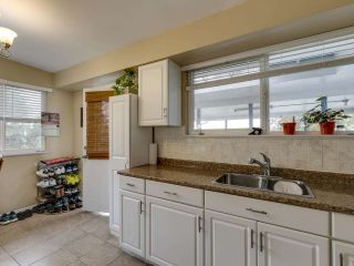 """Photo 8: 1934 WARWICK Crescent in Port Coquitlam: Mary Hill House for sale in """"MARY HILL"""" : MLS®# R2510324"""