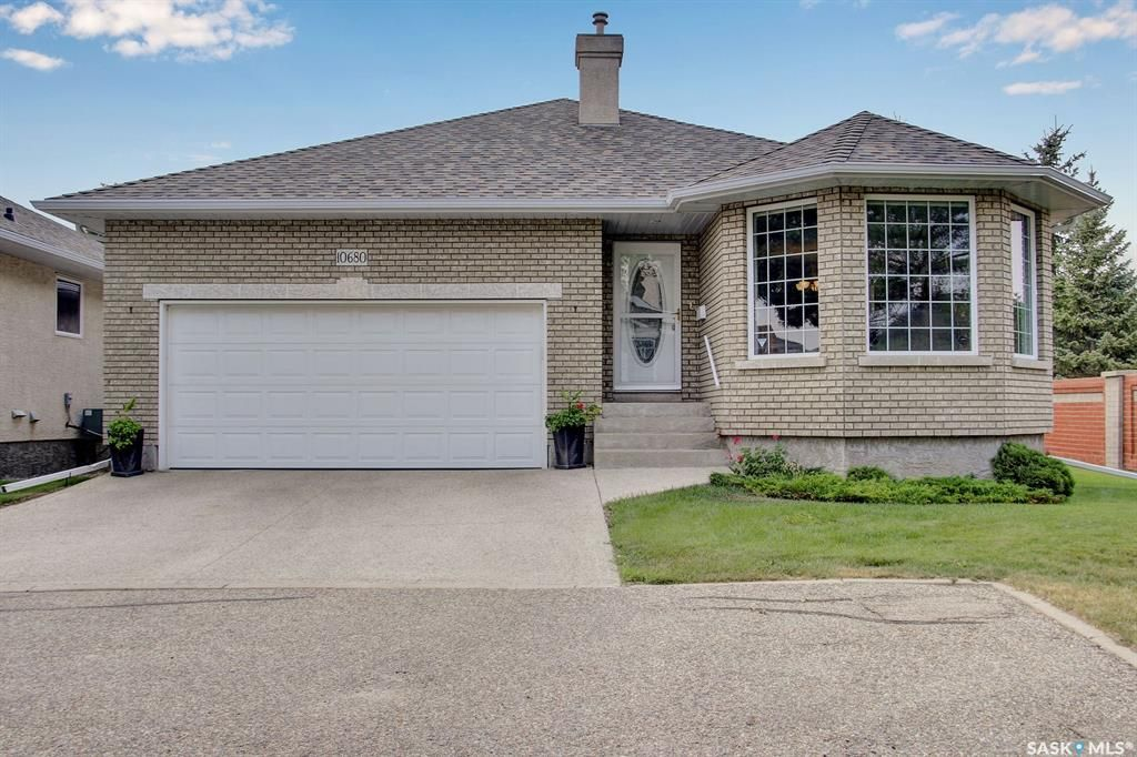 Main Photo: 10680 Wascana Pointe Estates in Regina: Wascana View Residential for sale : MLS®# SK864664