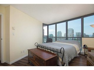 """Photo 10: 1905 501 PACIFIC Street in Vancouver: Downtown VW Condo for sale in """"The 501"""" (Vancouver West)  : MLS®# V1071377"""