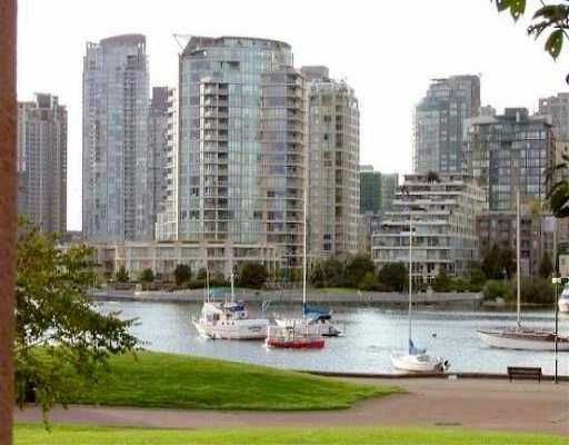 """Main Photo: 1869 SPYGLASS Place in Vancouver: False Creek Condo for sale in """"VENICE COURT"""" (Vancouver West)  : MLS®# V614180"""