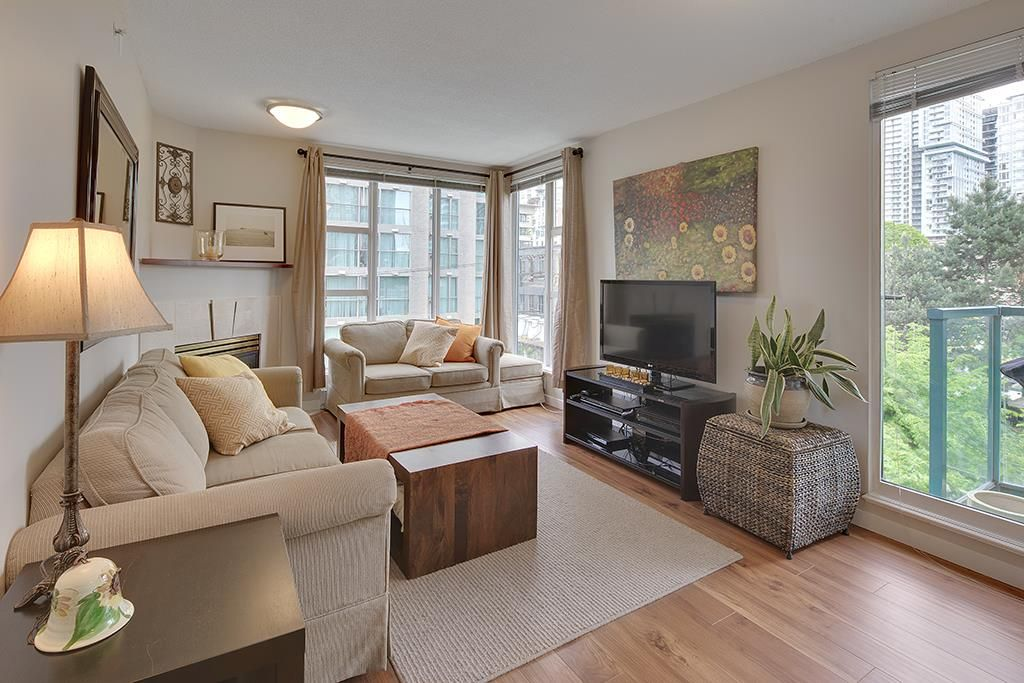 """Main Photo: 602 939 HOMER Street in Vancouver: Yaletown Condo for sale in """"PINNACLE"""" (Vancouver West)  : MLS®# R2065110"""