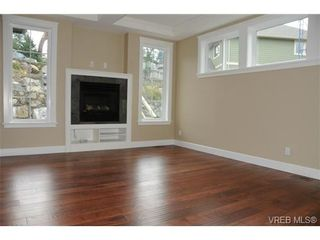 Photo 6: 559 Bezanton Way in victoria: Co Latoria House for sale (Colwood)