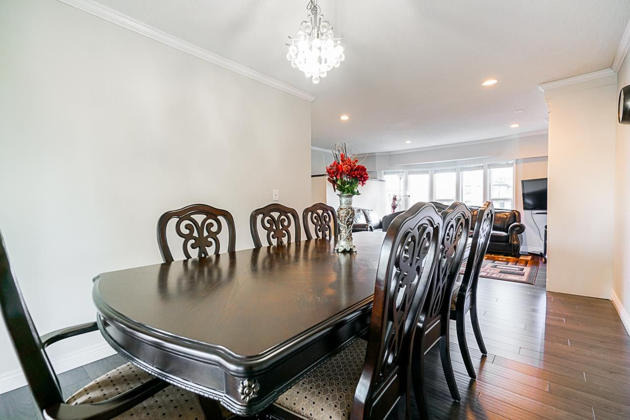 Photo 8: Photos: 12860 CARLUKE Crescent in Surrey: Queen Mary Park Surrey House for sale : MLS®# R2516199